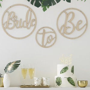 WOODEN BRIDE TO BE DECORATION HOOPS
