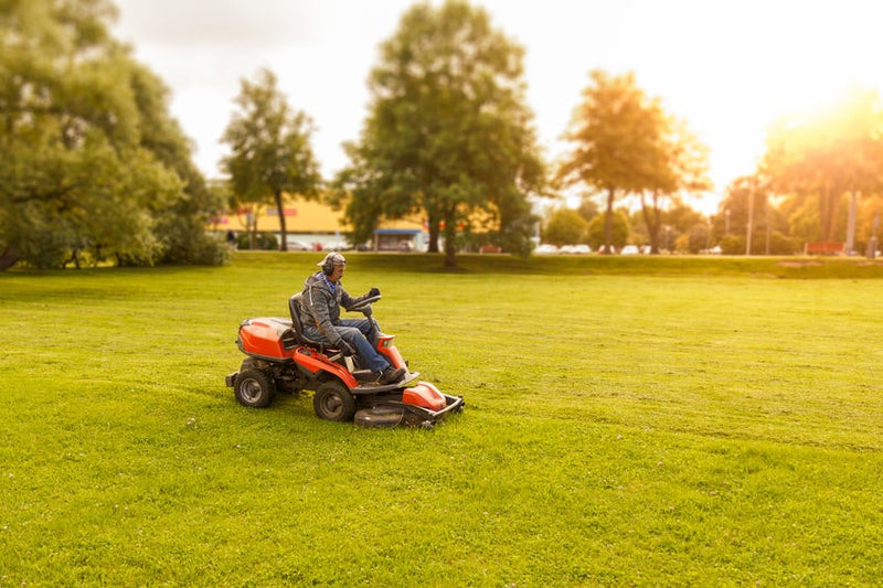 4 Landscaping Equipment Care Tips