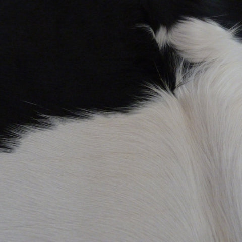 Cowhide Rug Black and White C313a