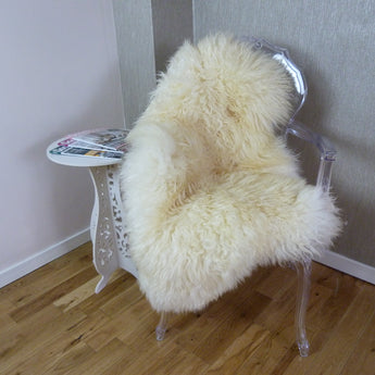 Curly Leicester Ivory Sheepskin Rug CL117