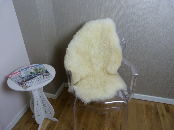Curly Leicester Natural Ivory Sheepskin Rug CL-SML-31