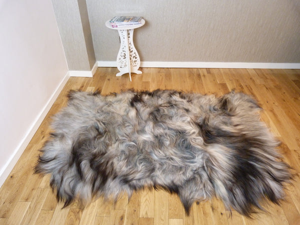 Natural Grey Icelandic Sheepskin Rug 3 Skin ING3S12