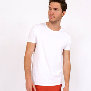 OWTS1801 White men's organic cotton t-shirt on body front view