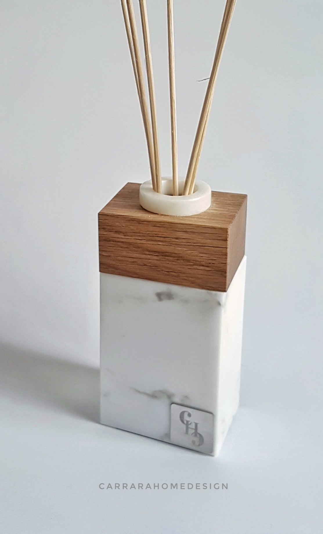 Aroma Diffuser by CARRARA_HOME_DESIGN in Marmo Statuario