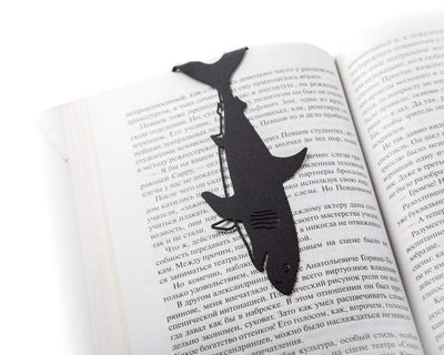 Metal bookmark // Reading shark