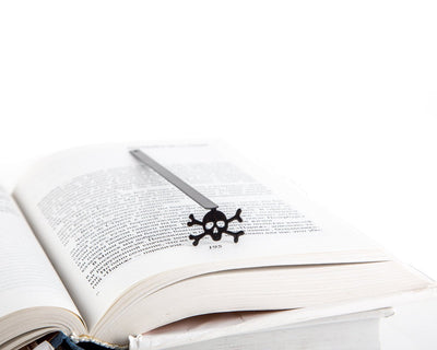 Metal Bookmark for Books Skull with crossbones // Jolly Roger by Atelier Article - Design Atelier Article