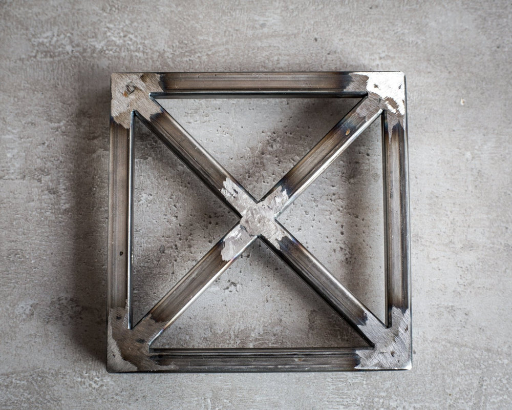 Metal trivet hand welded  // Raw metal // stylish housewarming gift // Free Shipping Worldwide - Design Atelier Article