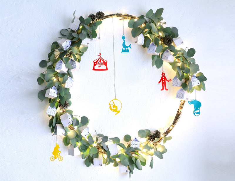 Minimalistic Christmas ornaments Circus a set of 6 // ready to give packaging