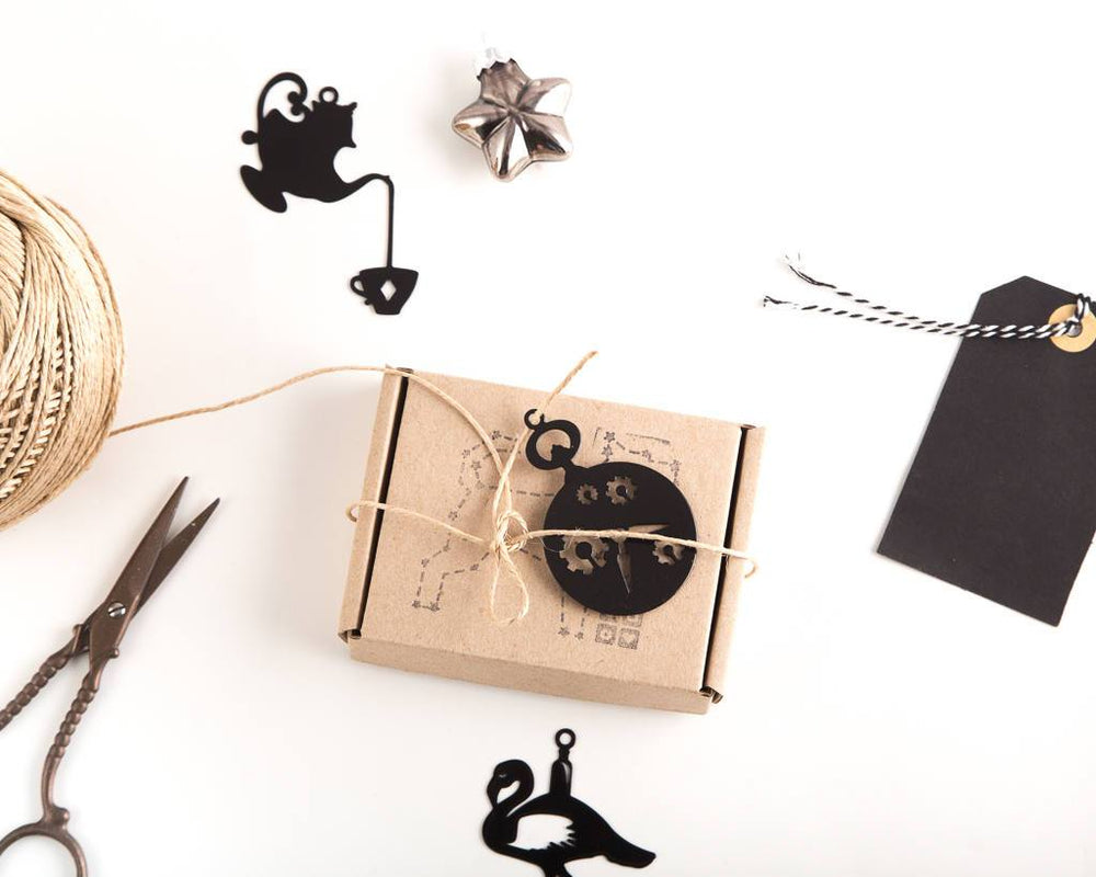 Minimalistic Alice in Wonderland inspired Xmas ornaments a set of 6 // ready to give packaging // FREE SHIPPING - Design Atelier Article