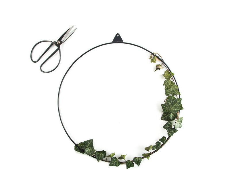 Minimalistic wire ring // scandinavian christmas wreath // wire wall decor // FREE SHIPPING - Design Atelier Article