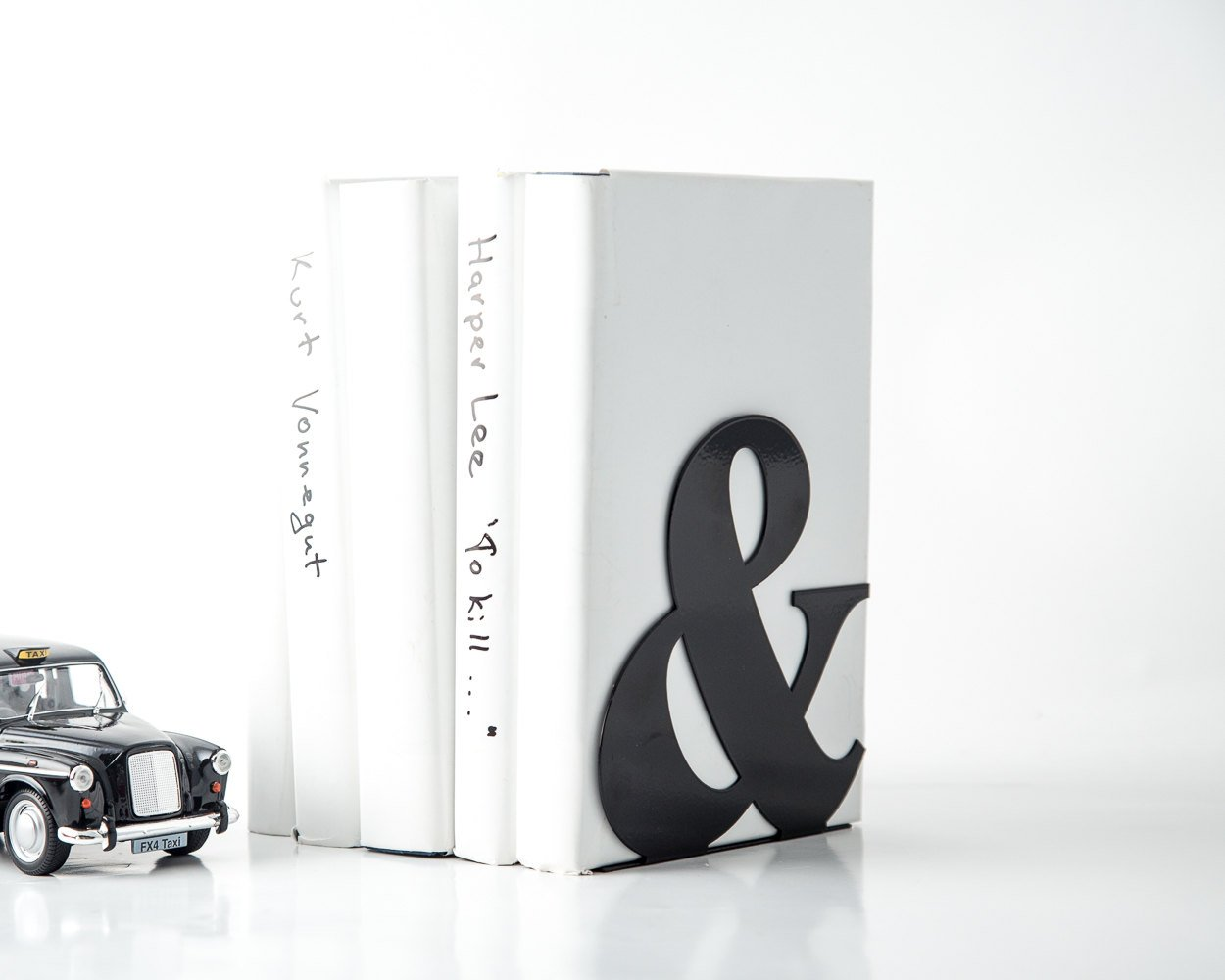 Metal Bookend -&- Ampersand - functional decor for modern home// red powder coated laser cut metal // housewarming present // FREE SHIPPING - Design Atelier Article