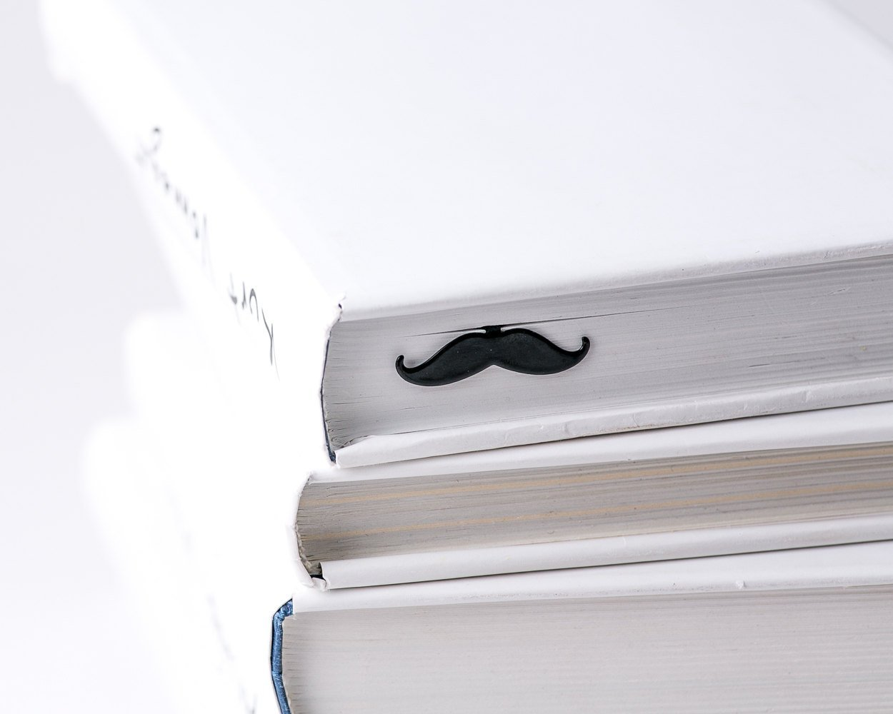 Metal Book Bookmark Moustache // Present for book lover // unique gift packaging ready to give // Free shipping worldwide - Design Atelier Article