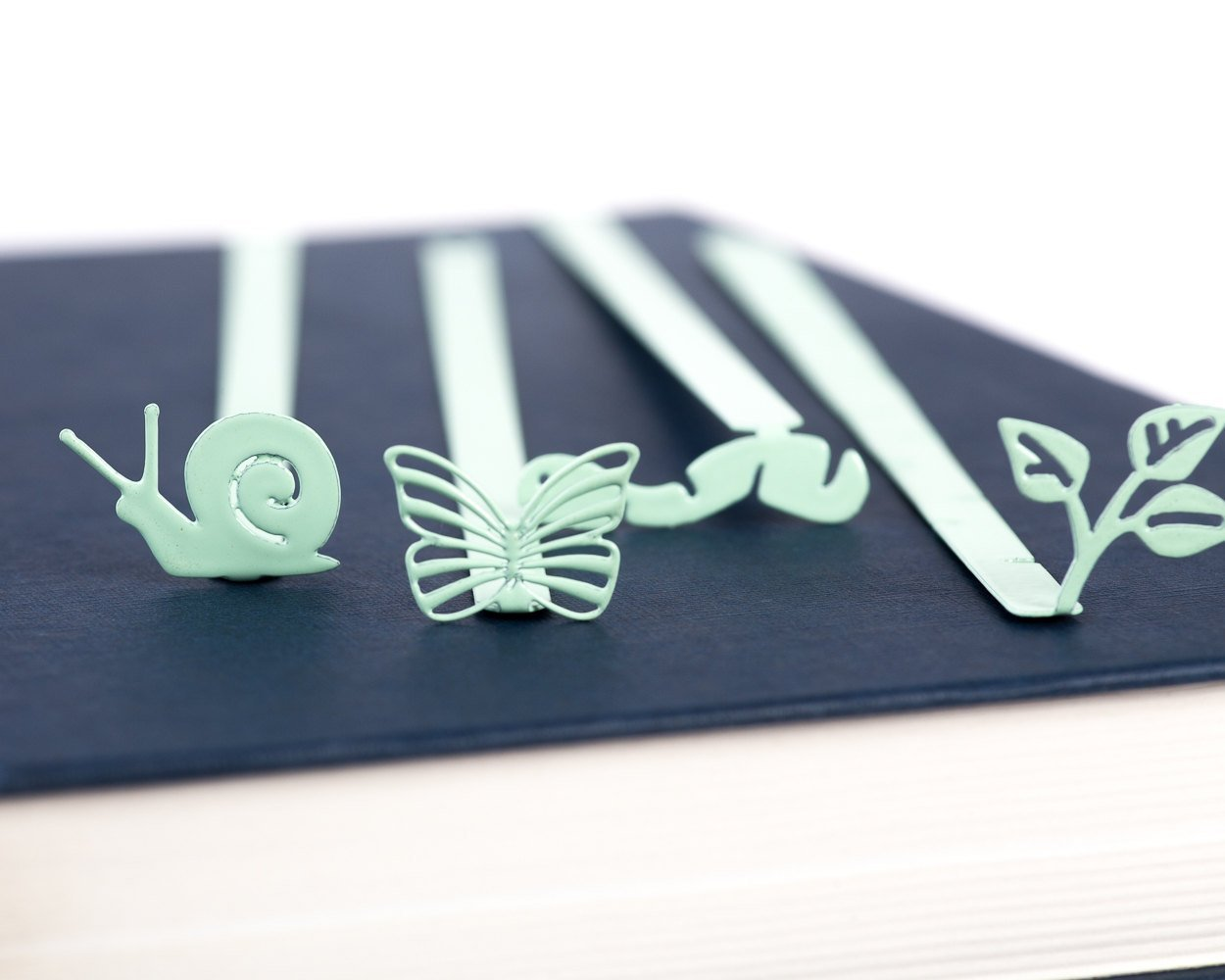 Bookmark Snail Nature series mint  laser cut metal powder coated Stylish unique gift for book lover Free shipping. - Design Atelier Article