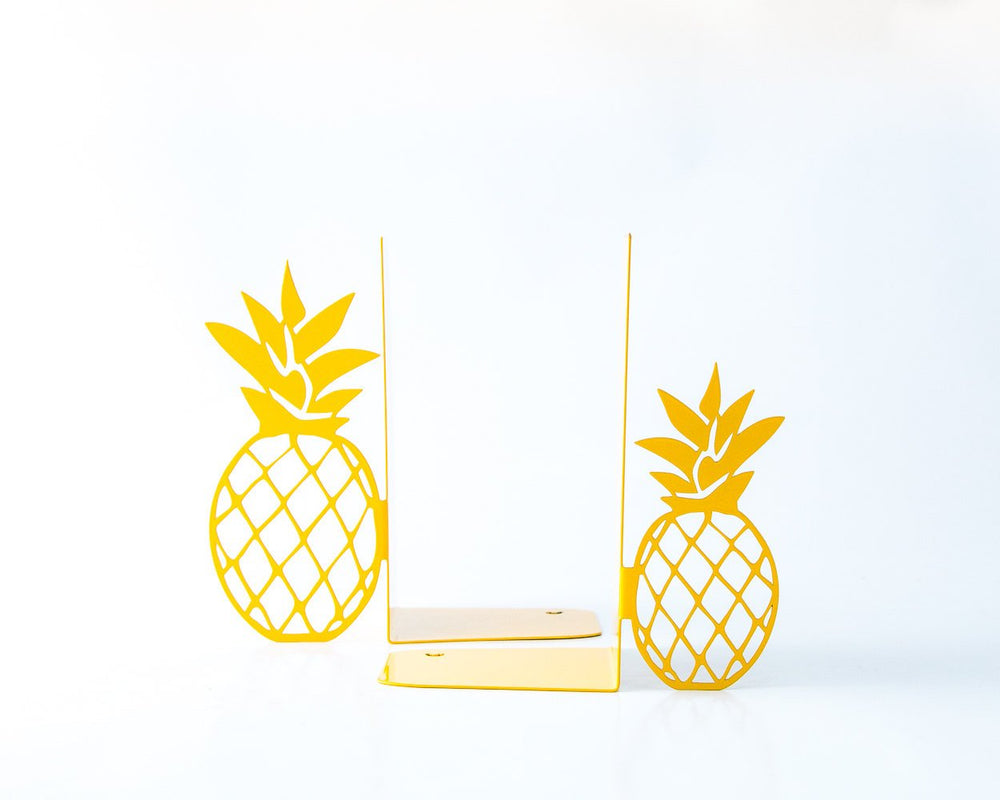 Kitchen bookbookends // Functional kitchen decor // Pineapples by Atelier Article - Design Atelier Article