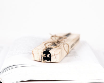 Metal Bookmark for books Retro Ghost game character - Design Atelier Article