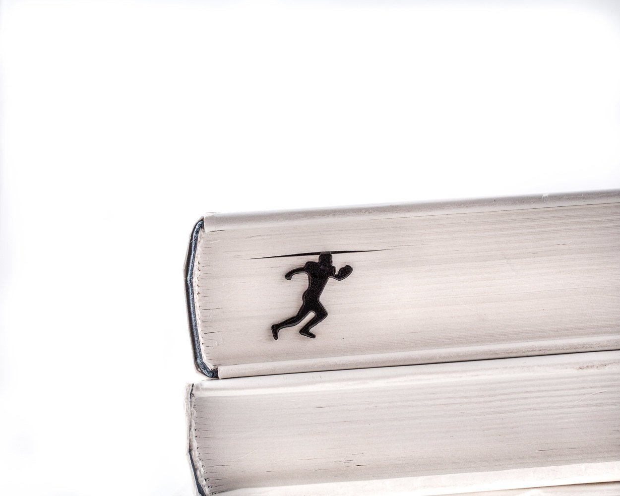 Metal Book Bookmark Football Player // Gift for a book lover // unique gift packaging ready to give // Free shipping // Stocking stuffer - Design Atelier Article