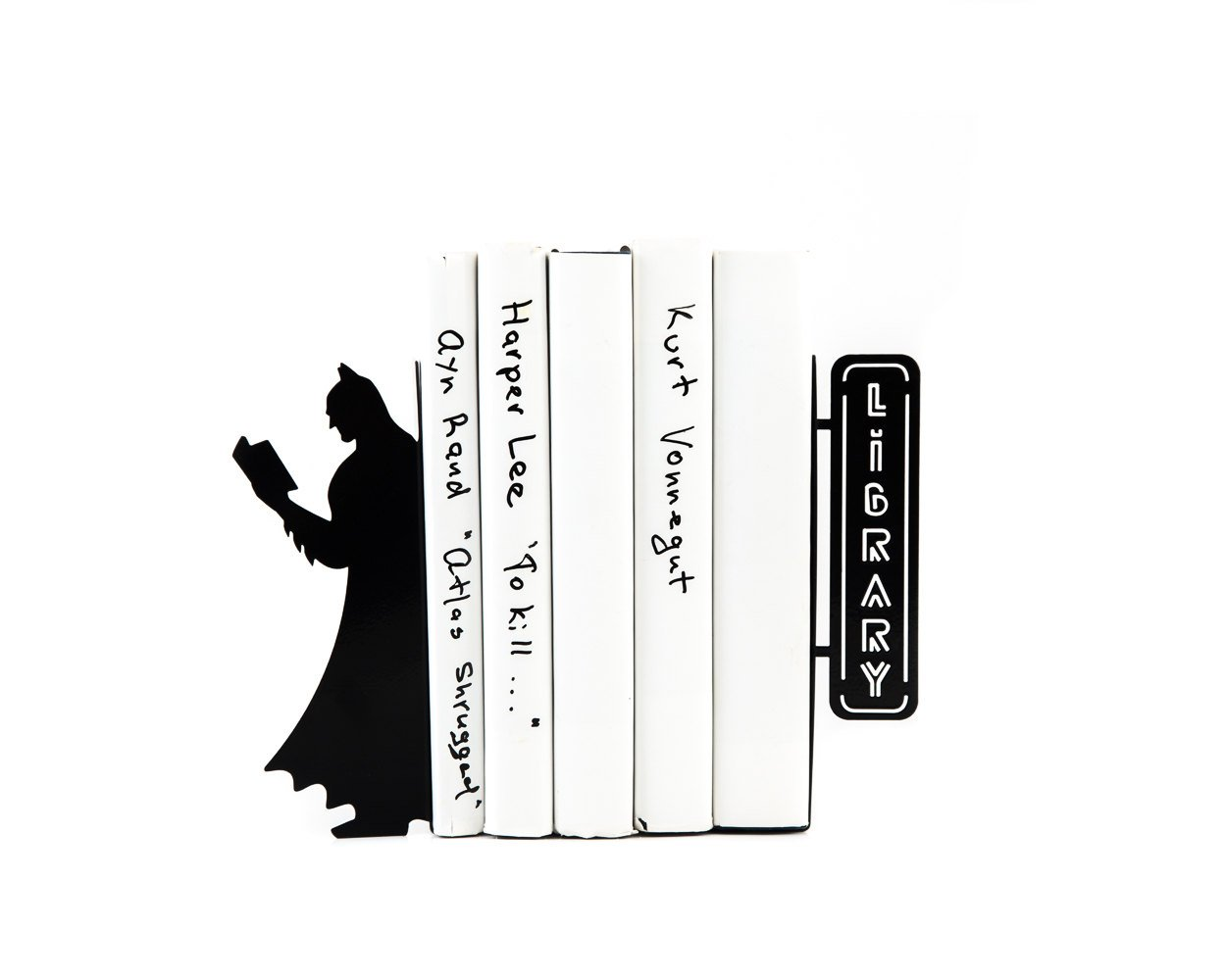 Batman Bookends // Bookshelf comocs decor - Design Atelier Article