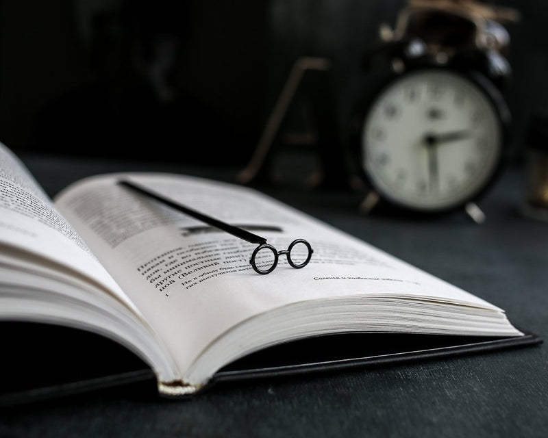 Metal Book Bookmark Round glasses Harry Potter type