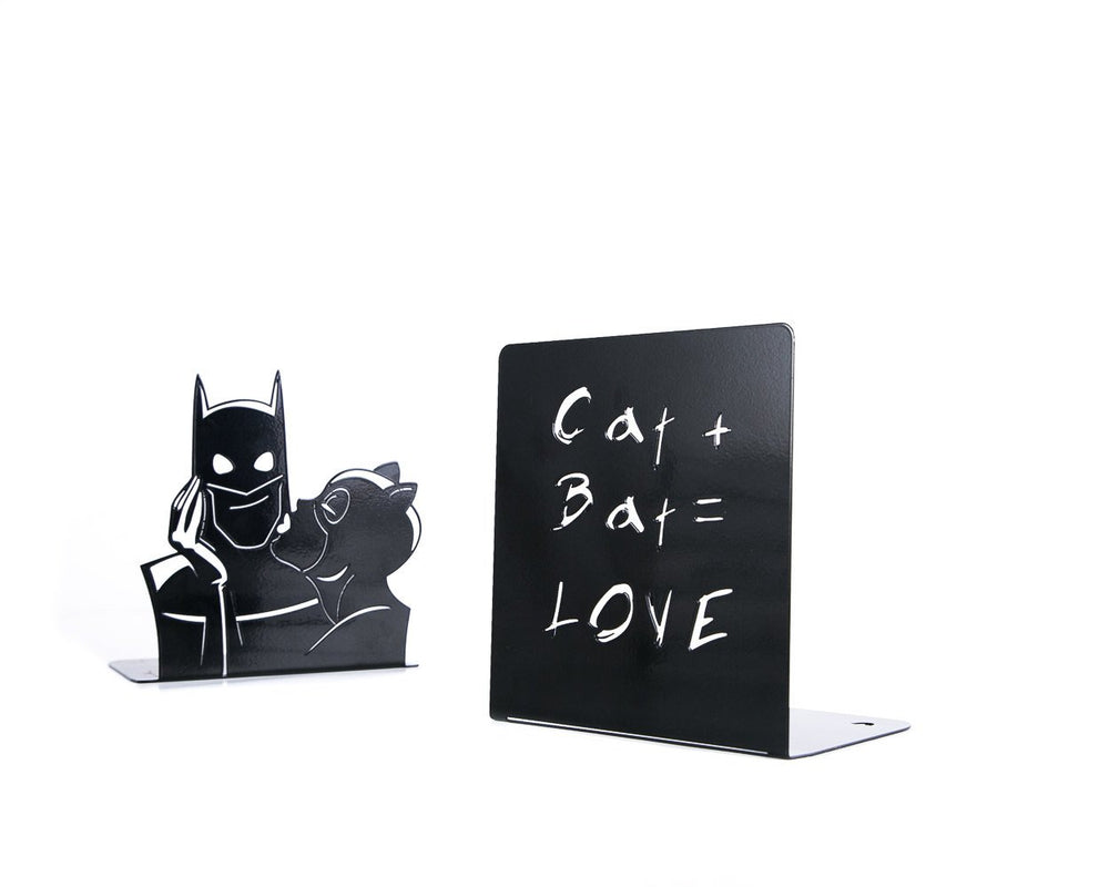 Decorative  bookends Batman and Cat woman Love // DC comics fans - Design Atelier Article