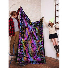 Hippie Psychedelic Tapestry Fashion Wall Hanging Bohemian Tapestry Beach Shawl Bedroom Living Room Home Decor
