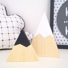 Wonderful 2Pcs/Set Kids Room Decor Colorful Painting Triangle Wood Block Photography Prop