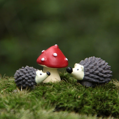 3Pcs/Set Artificial Mini Hedgehog with Red Dot Mushroom Miniatures Fairy Garden Gnomes Moss Terrarium Resin Crafts Decorations