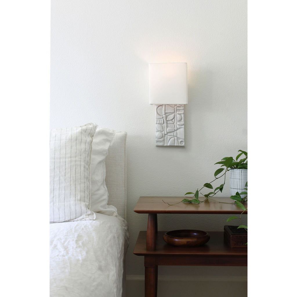 Cedar and Moss. Asch Sconce. Shown in Brownstone White ceramic. Photography by Michelle Aaro.