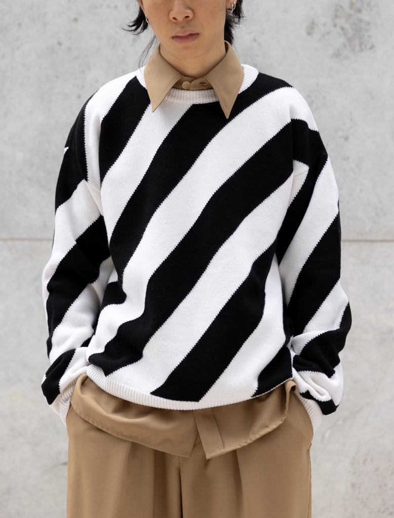 DIAGONAL STRIPE KNIT