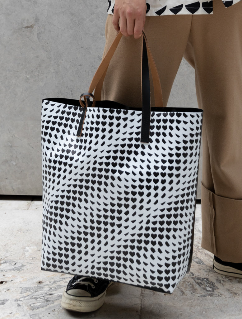 COATED PVC TOTE - HEARTS