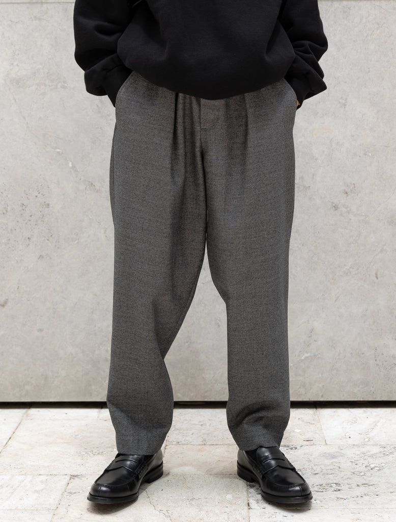 WOVEN WOOL PLEATED TROUSER