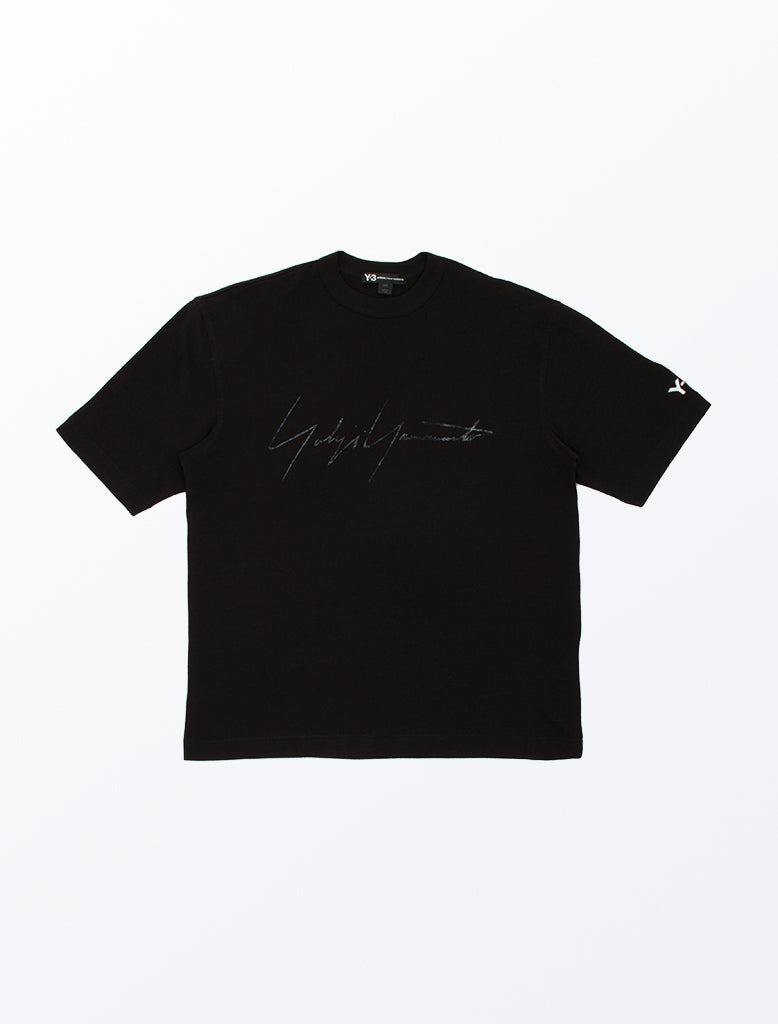 DISTRESSED SIGNATURE SS TEE