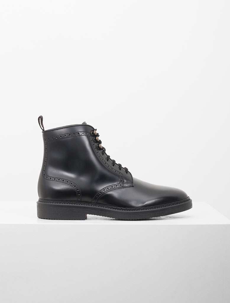 LACE UP BROGUE BOOT