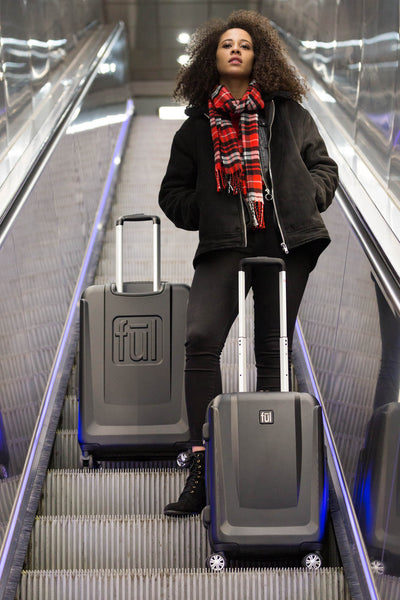 Load Rider 29in Spinner Rolling Luggage