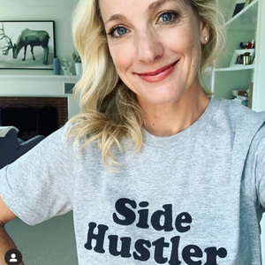 SIDE HUSTLER TEE - Anchor & Nest