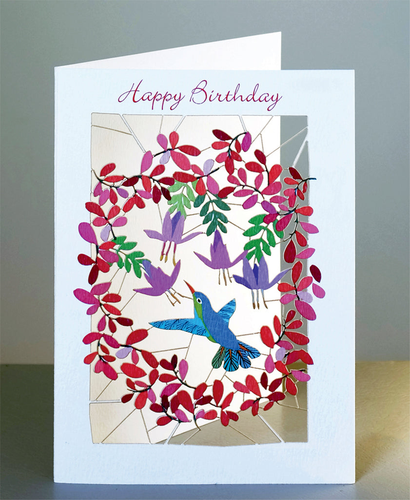 PM128 Hummingbird and circle flowers