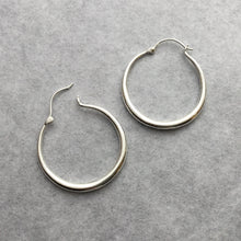 Tapered Hoop Medium