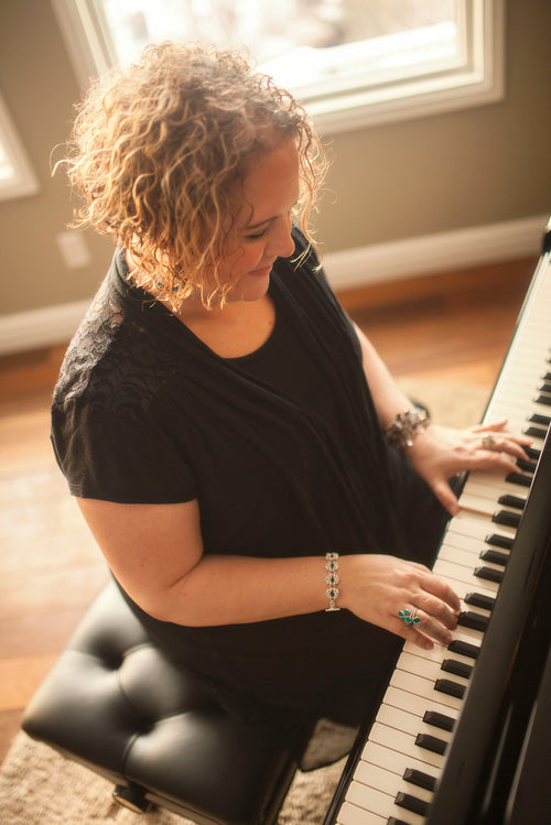 Michele McLaughlin - Award-Winning Pianist & Composer – Michele