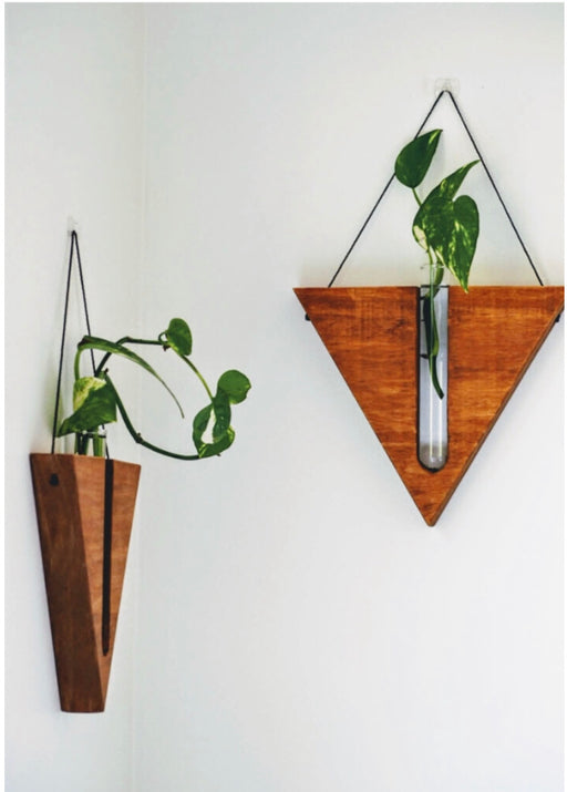 Timber wall hanger - Triangle, Reddish