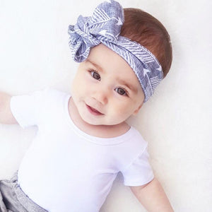 Grey Feathered Arrows Print Top Knot Headband