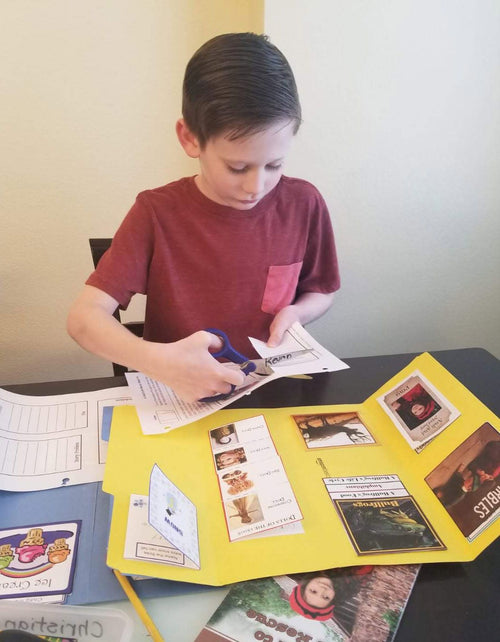 Child Making Lapbook