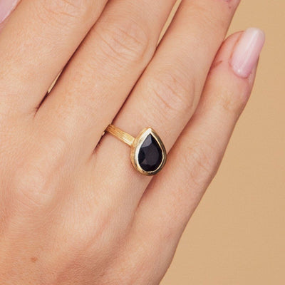 Dali Onyx Gold Plated Ring