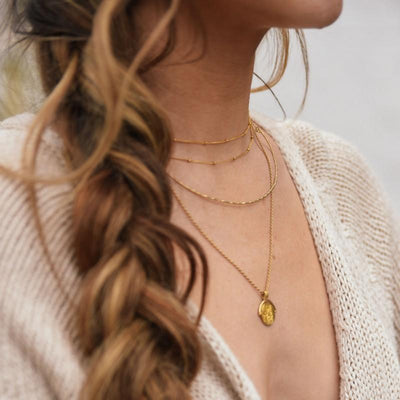gold minimalist layering necklace