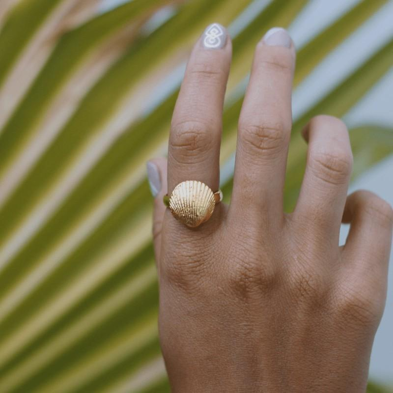 Aruba Shell Ring - Gold