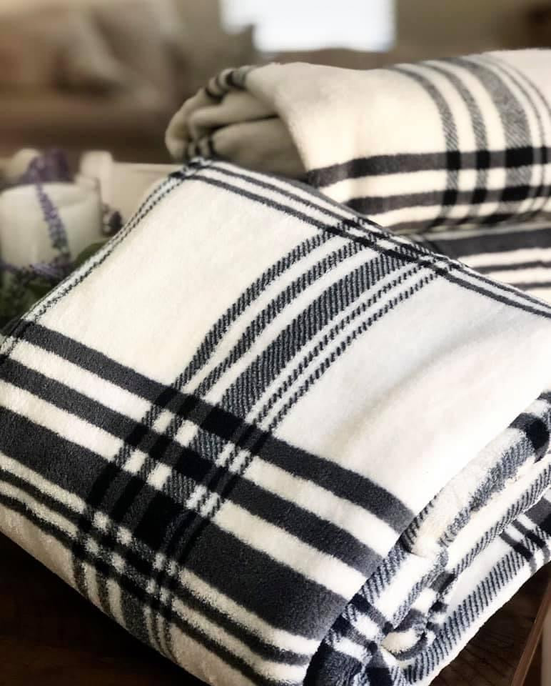 Plaid Fleece Throw