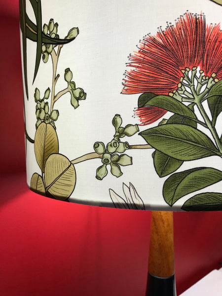 Red Wattlebird Ceramic & Timber Table Lamp