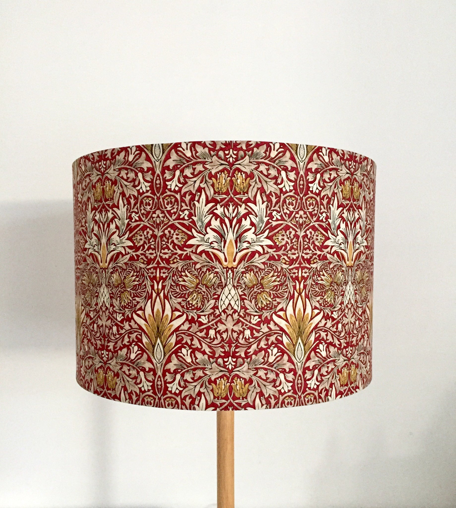 William Morris Snakehead Lampshade - BURGUNDY
