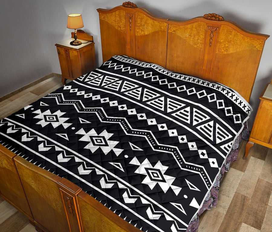 Black And White Aztec Pattern Print Quilt GearFrost