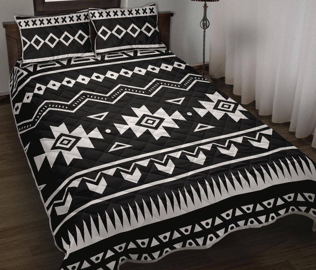 Black And White Aztec Pattern Print Quilt Bed Set GearFrost