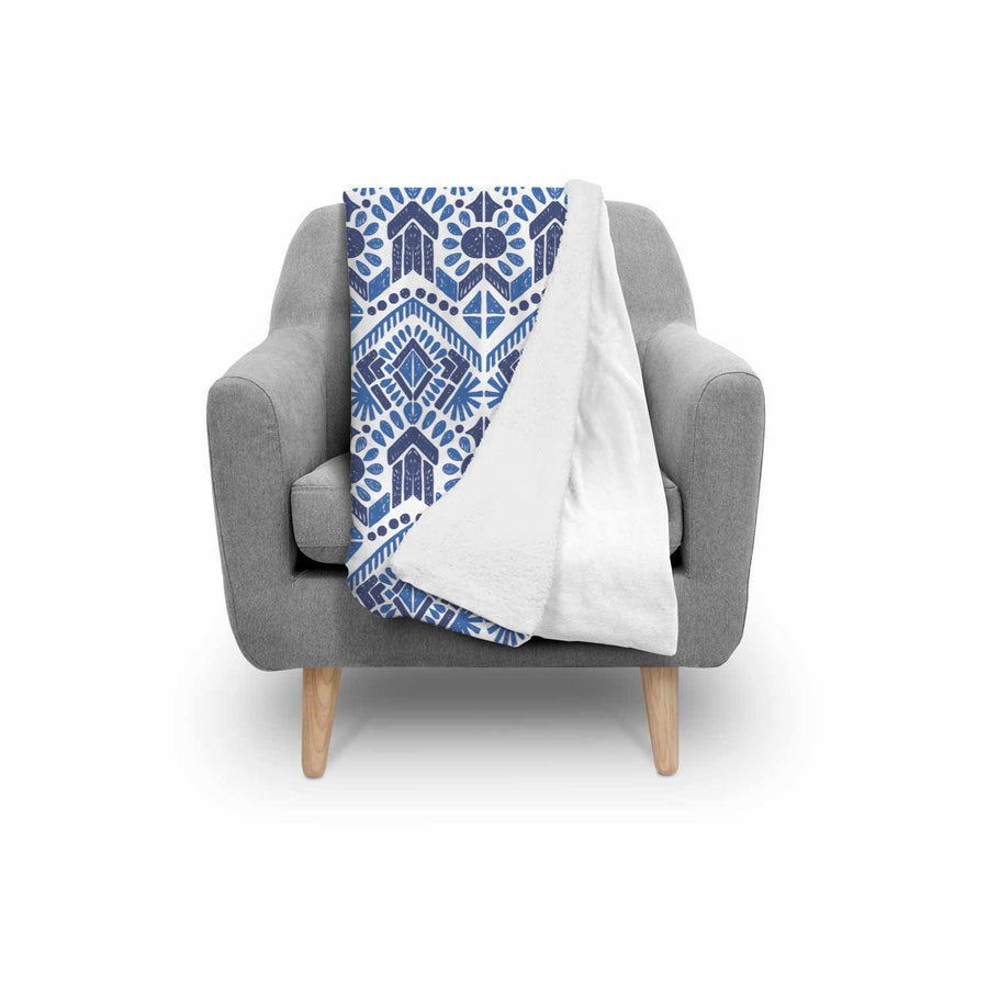 Blue And White Aztec Pattern Print Sherpa Blanket GearFrost