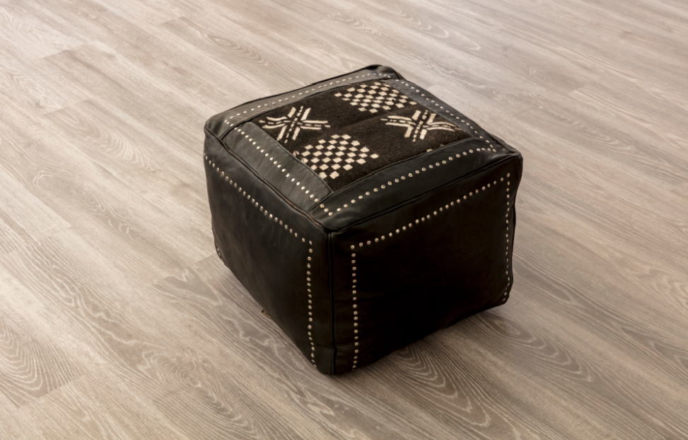 SMALL LEATHER POUF (DOMINO)